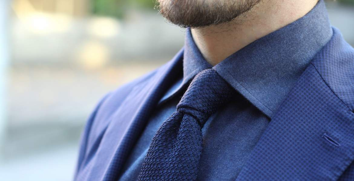 How to Match a Cravat with Other Clothing?